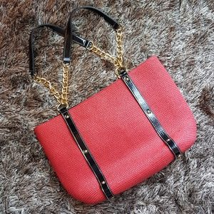 Red Straw Tote